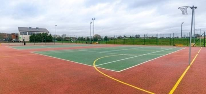Better_-_Queensmead_Leisure_Centre_-_Stills_-_High_Res-2_outdoor_courts.jpg
