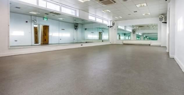 Better_-_Queensmead_Leisure_Centre_-_Stills_-_High_Res-17_studio.jpg