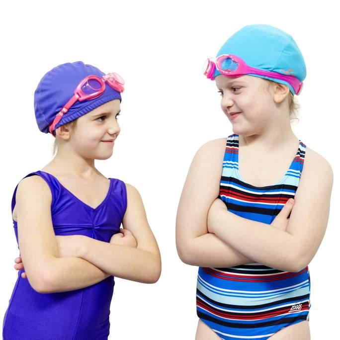 Facebook-Junior_females_wearing_swimming_caps_ands_goggles.jpg