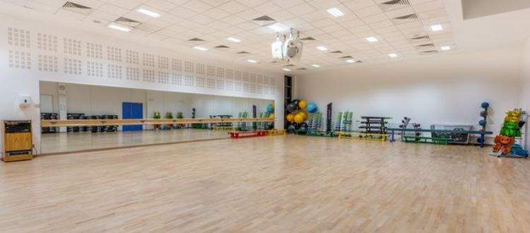 Facilities At Mile End Park Leisure Centre And Stadium Tower Hamlets Better