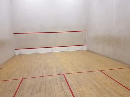 squash_court.jpg