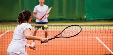 Homepage_Banner_Desktop-Couple_playing_Tennis.jpg