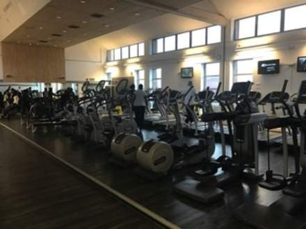 Thamesmere_Leisure_Centre_Main_Gym.JPG